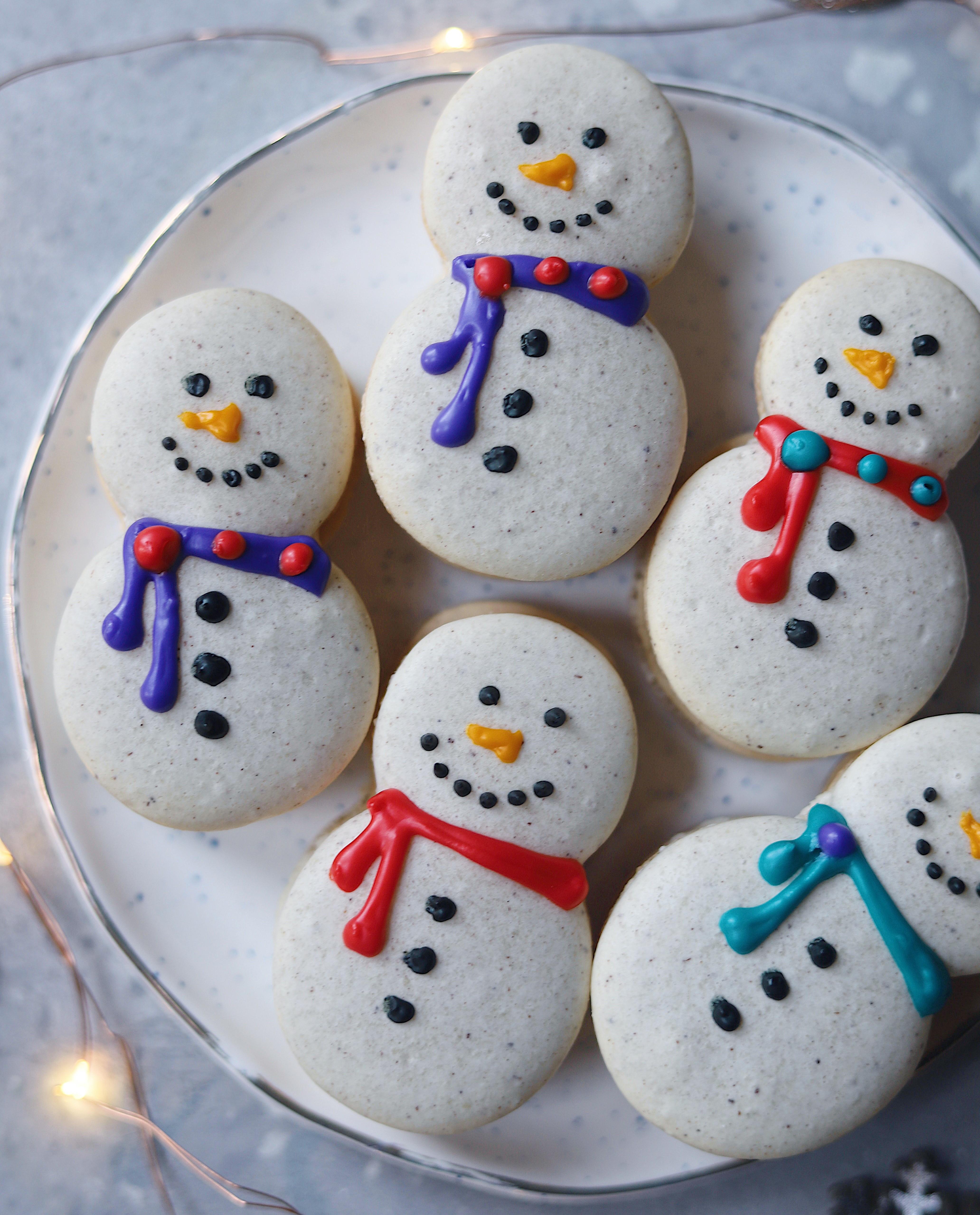 Snowman Macarons With Eggnog Buttercream Filling