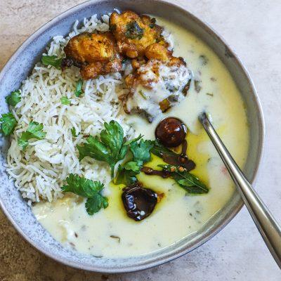 Gujarati Kadhi and Makai na Bhajia